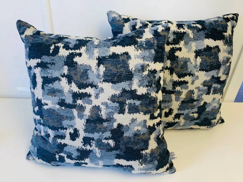 STUDIO CHIC DECORATIVE PILLOWS