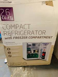 Commercial Cool 2.6 cu ft refrigerator /freezer